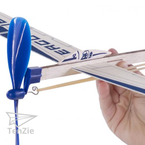 houten-zweef-vlilegtuig-evenwicht-spelmateriaal-prikkelen